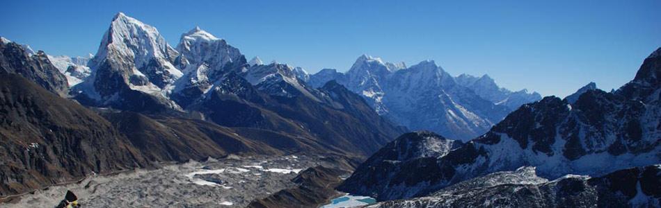 Everest base camp trek (zákládní tábor Everestu) - 16 dní  040abe0cf2d